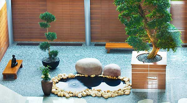 Zen water feature, Sofitel hotel, Heathrow, Teminal 5