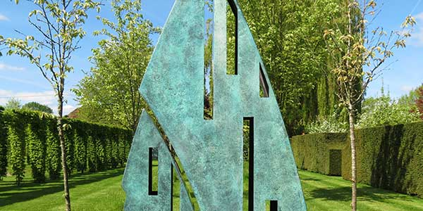 Tall bronze garden garden sculpture