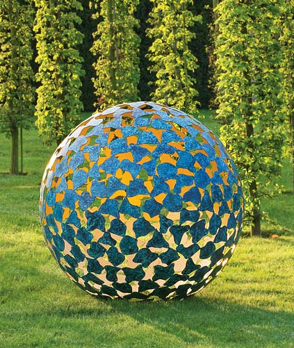 Garden Art Sculpture: Garden Art Sculpture Photograph