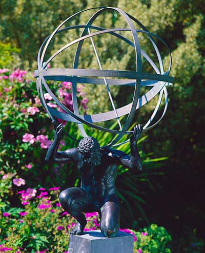 Charmant A Bronze Statue Of Atlas, Supporting A Armillary Sphere