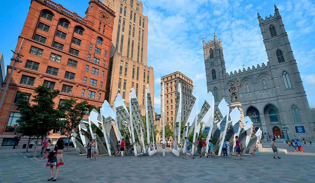 Urban sculpture concept in stainless steel